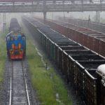 Два жителя Березовского с риском для жизни обесточили железную дорогу