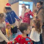 320 студентов вузов, ссузов и старшеклассников Кузбасса стали Дедами Морозами и Снегурочками