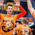 Волейбольный «Кузбасс» переиграл лидера суперлиги