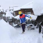 В Кемеровском округе «десантники» борются с сугробами