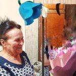 Первый замгубернатора Кузбасса поздравил на дому пожилую женщину-дворника