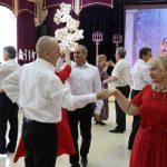В Киселёвске состоялся первый инклюзивный бал-маскарад