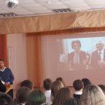 Ученики кемеровской школы пообщались с космонавтом Борисом Волыновым