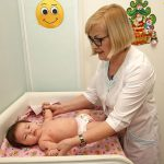 Больничные родителям маленьких россиян будут оплачивать в полном объёме, несмотря на трудовой стаж