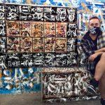 В Прокопьевске художник превратил подъезд в музей