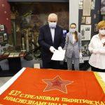 Губернатор Сергей Цивилев принял на хранение знамёна Советской армии