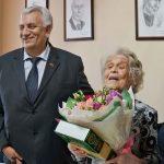 102-летняя, старейшая в Кузбассе участница Великой Отечественной войны поздравила всех с 9 мая и передала наказ в будущее