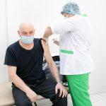 В Кузбассе от коронавируса поставили прививку 250 тысяч человек