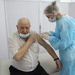 Сегодня ветераны Кемерова массово пришли на вакцинацию от коронавируса