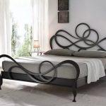 Разнообразие металлической мебели