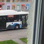В Кемерове автобус переехал ногу выпавшей из салона пассажирки