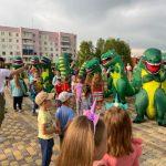 Кузбассовцы побывали в гостях у динозавра и установили новый рекорд