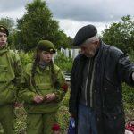 В Кузбассе волонтеры помогают восстанавливать места захоронений воинов-красноармейцев