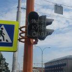 Кемеровчанка пожаловалась на сломанный светофор в центре города