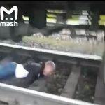 В Междуреченске парень, уснувший на рельсах, чудом остался жив