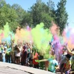 На жителей Полысаева посыпали праздничное настроение