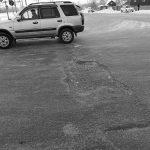 Власти Кузбасского города рассказали, почему местные дороги такие плохие