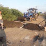 Жители Тисуля самостоятельно отремонтировали дорогу