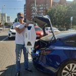 Петербуржцы, путешествующие на Tesla через всю Россию, подарили Кемерову зарядную станцию