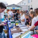 Сегодня в Кузбассе проходят школьные базары