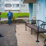 Житель Юрги пожаловался на огромную лужу возле подъезда