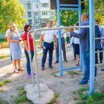 Сергей Цивилев поручил привести в порядок убийственную детскую площадку