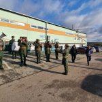 Оркестры, роженицы и молодожены: в Кузбассе голосуют коллективно