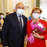 Сергей Цивилев вручил областные награды коллективам медицинских учреждений Кузбасса