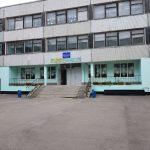 Следком и прокуратура начали проверку в кемеровской школе, где мальчик упал с перил