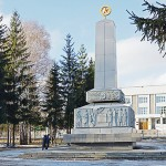Обелиск героям гражданской войны на ул.Карболитовская