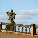 Памятник реке Томь на набережной в г.Кемерово