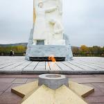 Вечный огонь у памятника погибшим кузбассовцам