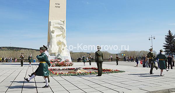 На Притомской набережной 9 мая в День Победы