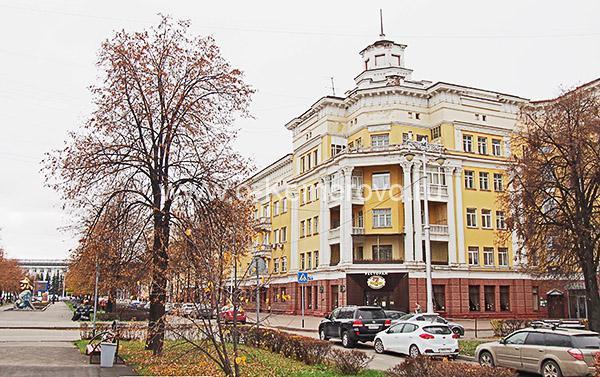 Площадь Пушкина, дом по ул.Орджоникидзе, 4