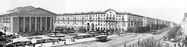 Проспект Советский возле драматического театра