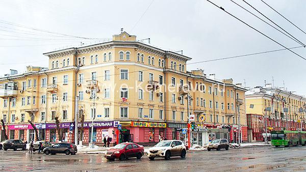 Проспект Советский, 43, бывший Областной дом книги