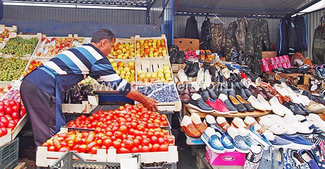 На Губернском сельском рынке в Кемерово