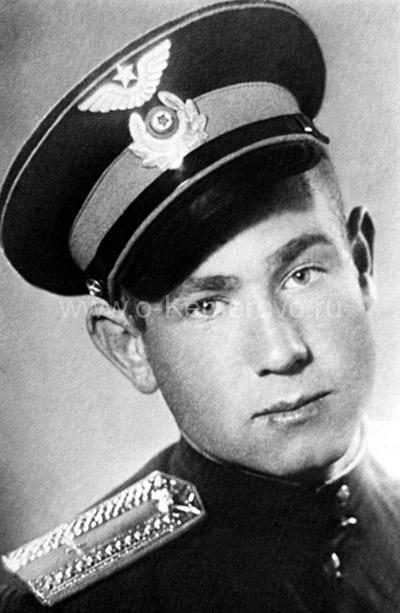 Алексей Леонов - курсант Чугуевского авиационного училища