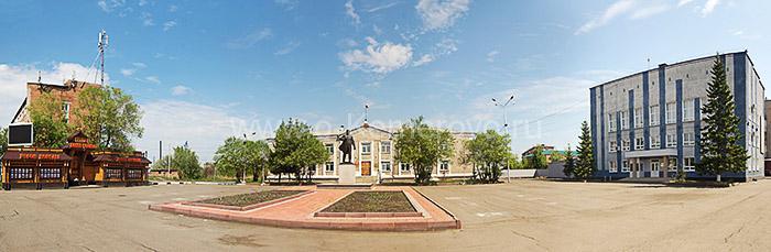 Здания администрации на центральной площади города Мариинска Кемеровской области
