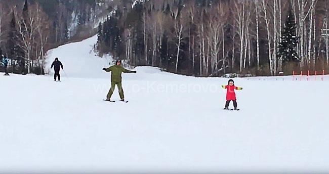 Танай хорошо подойдет для обучения катанию на горных лыжах